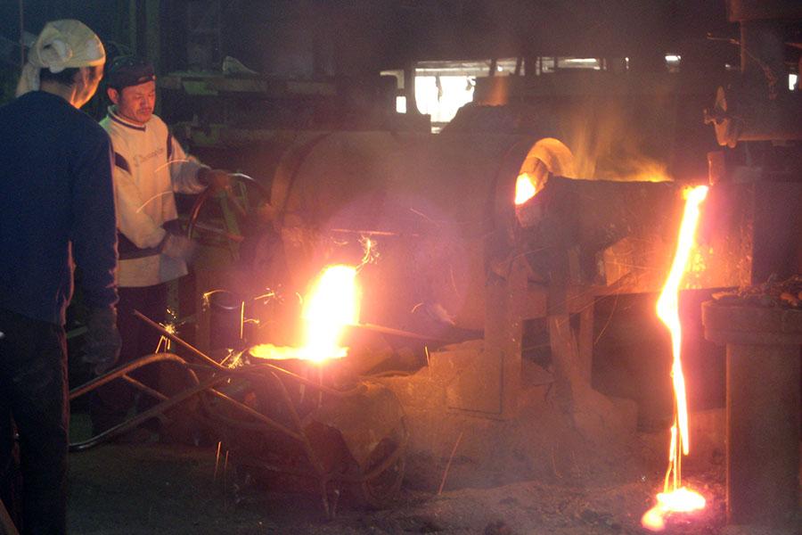 キューポラを使用した鉄の熔解